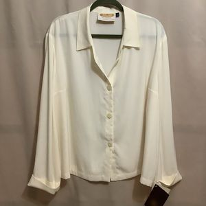 NWT Tilley 100% microfibre wrinkle resistant travel wear button up blouse